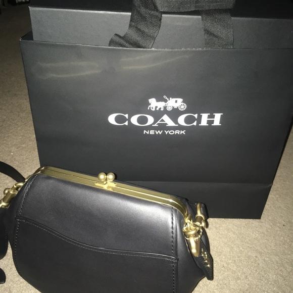 Coach Handbags - Gorgeous Coach Pre-Sale Kiss Lock Leather purse